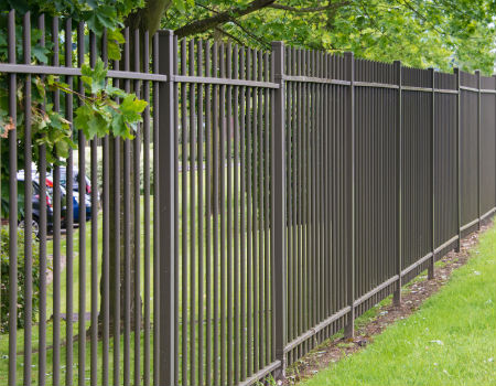 metal-fence-commercial-property