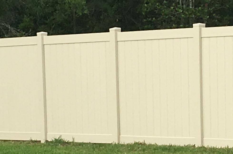 Backyard-Privacy-Beige-Vinyl
